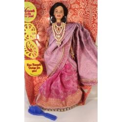 Индийская кукла Барби в розовом сари из Индии