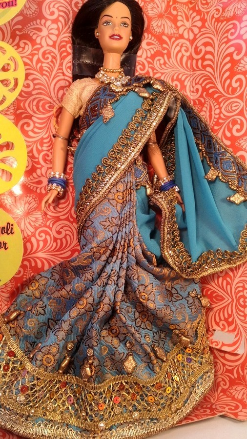 Барби индианка в бирюзовом сари