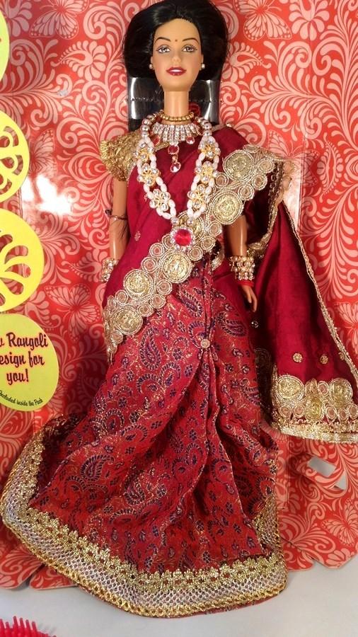Барби в сари бордо из Индии