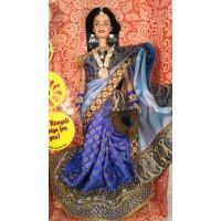 Индийская Барби в сари волшебный Павлин.